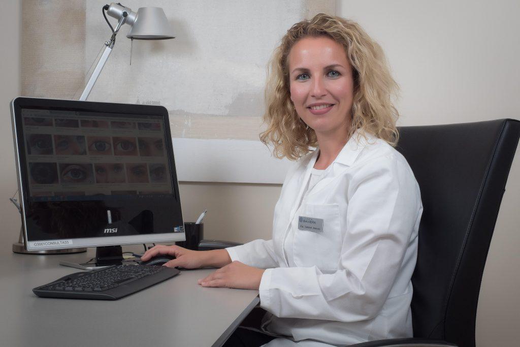 Dra. Salomé Abenza - Oftalmóloga y cirujana oculoplástica